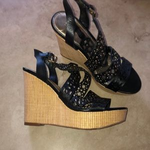 Ivanka Trump Womens Black Ankle Strap Sandals